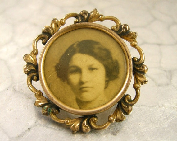 Victorian Photograph Brooch