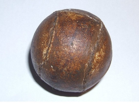 VINTAGE OLD ANTIQUE FEATHER TYPE GOLF BALL
