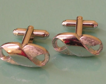 Elegant Vintage Silver Toned Cufflinks