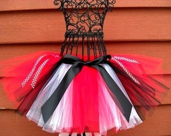 Queen of Hearts Tutu- Tweens, Queen or Hearts Costume- Alice in Wonderland Costume- Black and Red tutu -Disney Costume- Red Queen Costume