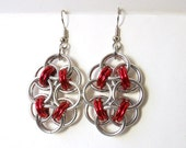 Chainmaille earrings, Red and silver, Helm chain flowers - DoBatsEatCats