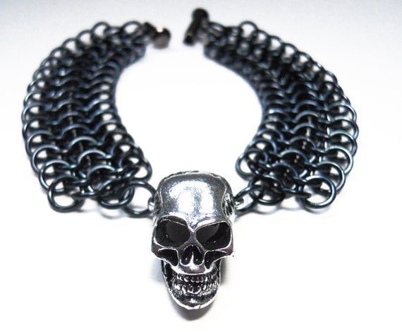 Skull bracelet, Gothic, Chainmaille, Unisex, Black and silver