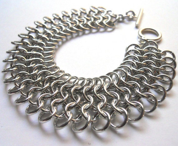 Chainmaille mesh bracelet in bright aluminum