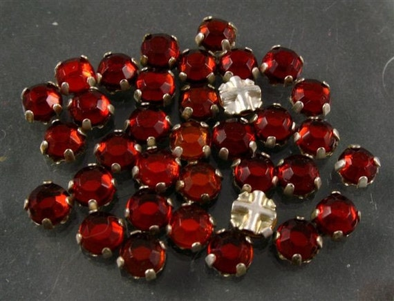 RESERVE Vintage Rose Montee -  3.5mm Red Glass