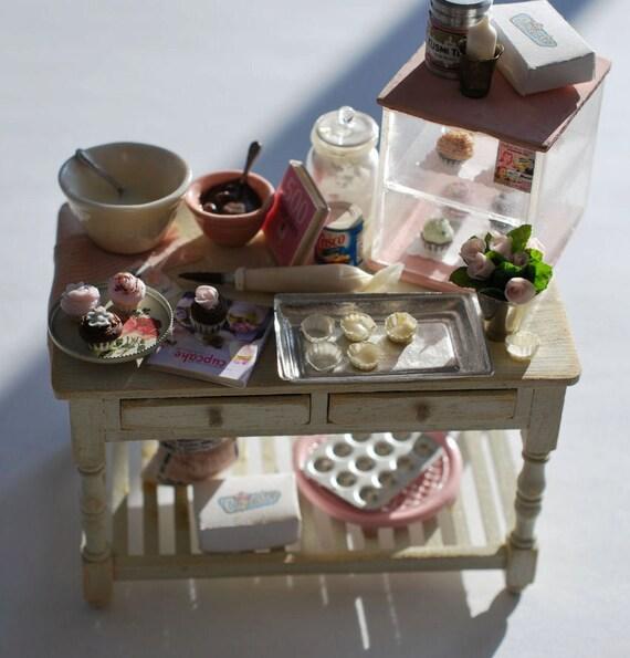 Dollhouse Miniatures Jensen: Cupcakes