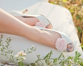The Belle- je t'aime ruffle bloom shoe clips- pale pink