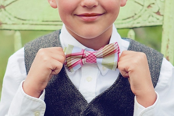 Bow Tie, Boys Bow Tie, Bow Ties, Baby Bow Ties, Bowtie, Bowties, Ring Bearer, Bow ties For Boys, Ties, Peach Bow Tie - Berry Picnic Plaid