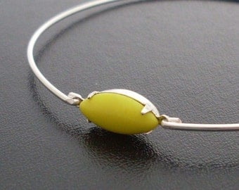Yellow Bangle Bracelet Bella - Silver, Yellow Stone Jewelry, Lemon Bracelet, Lemon Jewelry, Lemon Yellow Bracelet, Lemon Yellow Jewelry