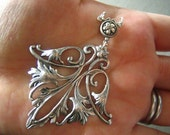 1 pc Vintage sterling silver plated brass art nouveau Lili flower finding pendant--3a