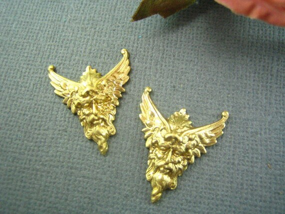 2pc Ancient Greek Goddess raw brass stmaping-- jewelry findings (RB045)