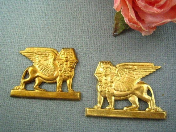 2pc large Egyptian sphinx raw brass stampings-- jewelry findings (RB153)