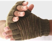 Men's fingerless gloves great outdoors