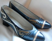 Vtg embellished GOLD stud NAVY leather heels UK4.5 US 7.5