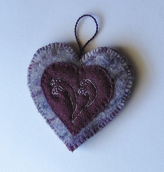 Wool ornament/ heart/ embroidered purple wool on stripes