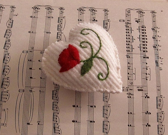 Wool pocket heart/ embroidered red flower on white knit