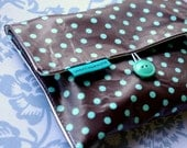 MEDIUM Snack Pouch Bag in Cocoa Aqua Dot