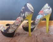floral tweed yellow heel pump