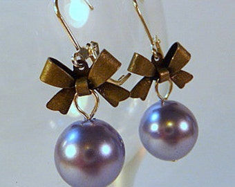 Lavender Pearl Earrings, pearls and bows, silver tone, bridesmaids earrings, handmade, leverbacks, clip ons