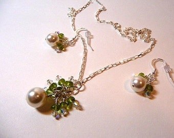 Pearl Necklace earrings set, white pearls, peridot gemstones, wire wrapped necklace, sterling silver, crystals, Wedding jewelry, handmade
