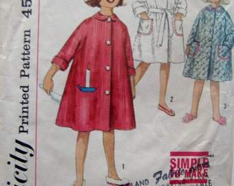Girls Robe 50s Vintage Sewing Pattern Simplicity 4536 Adorable Childs Robe with Rounded Peter Pan Collar, Size 1