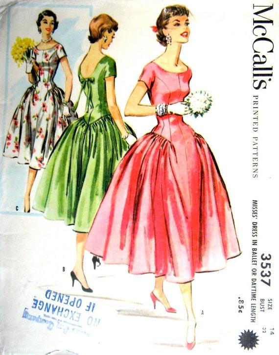 "50s Full Skirt Dress Vintage Sewing Pattern McCall's 3537 in Ballet or Daytime Length, Bust 32"""