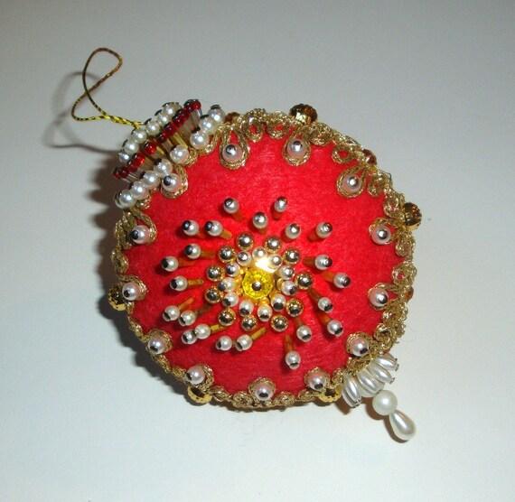 Vintage Beaded Ornaments 53