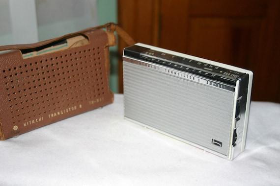 Sixties Vintage Transisistor Radio Hitachi 8 TH-841