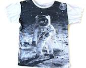 Vtg Astronaut Moon Landing Screenprint Black and White Shirt M