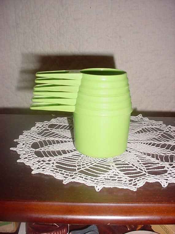 Tupperware measuring Cups Apple Green