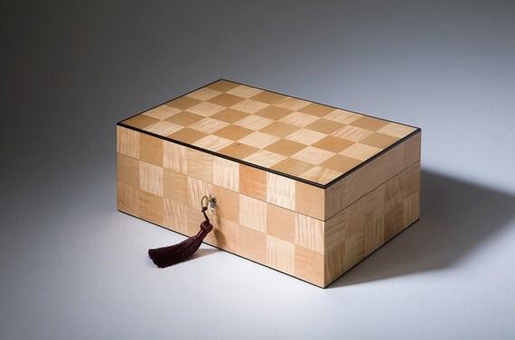 Amomos  (Without Blemish) Curly Maple Jewelry Box