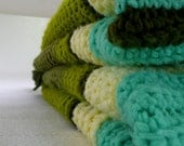 Vintage afghan -- aqua and avocado