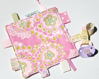 Pacifier Clip - Tag Blanket for Baby Girl - Ribbon Tag Blanket - Daisy Chain Pink