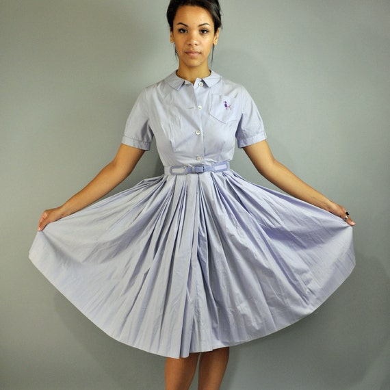50s dress DAY dress shirtwaist dress w/ full pleated skirt & embroidered PURPLE POODLE pocket xs/s extra small / small