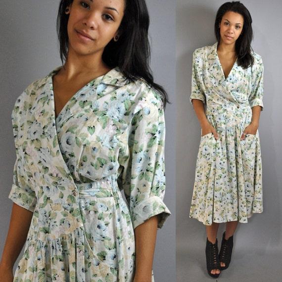 Vintage 70s dress Romantic Floral Dress / Bohemian Floral Maxi Dress w/ drop waist & wrap bodice S / M