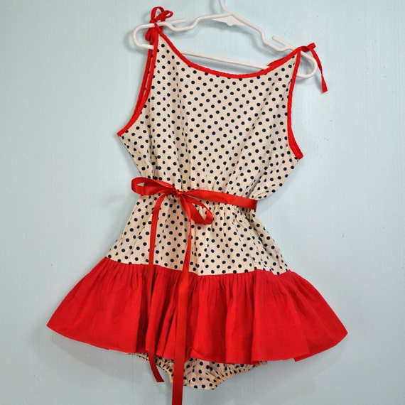 1950s / 50s GIRLS SWIMSUIT romper playsuit - polka dots w/ ruffle skirt one piece little girls pin up swim suit Size 5 6 7