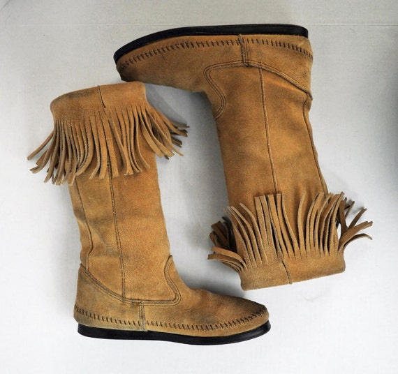 vintage 70s boots FRINGED leather MOCCASIN Knee Boots / Minnetonka distressed suede leather Bohemian Festival Boots Size 7 M