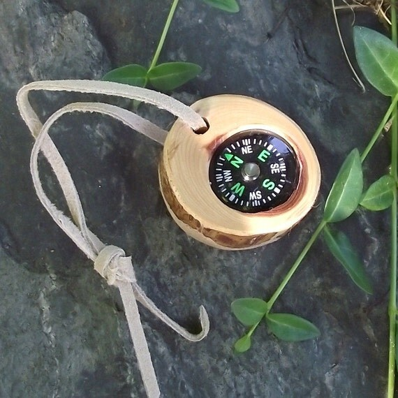 Wood Compass - Handmade from a Rustic Cedar Wood Tree Branch - Pocket Survival for Hiking, Camping, Outdoor, Gift for Nature Lover, Ornament