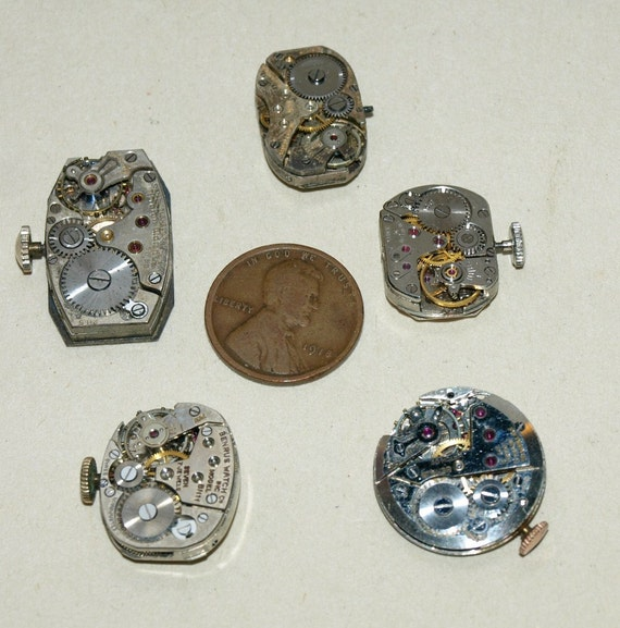 Vintage Assorted Shaped wrist watch movements-- steampunk Jewelry Altered Art   K1905