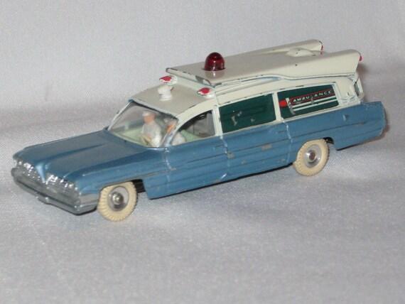 rare dinky toys 277 superior criterion ambulance. Black Bedroom Furniture Sets. Home Design Ideas