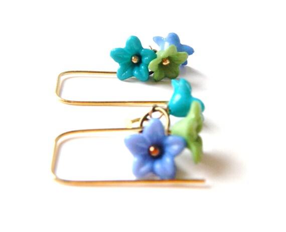 5 dollar earring sale.........Periwinkle Blue, Green, Aqua Flower Earrings..........handcrafted