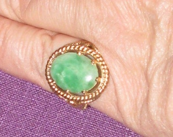 Lovely 14K Jade Ring with Ornate Setting
