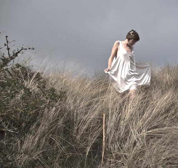 Stinson Beach tunic, dress shiny white silky polyamide boho, hippie, philosophical, size medium, large