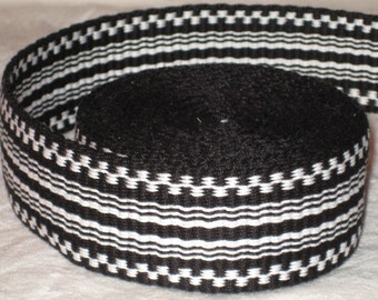 Black and white hand-woven inkle trim