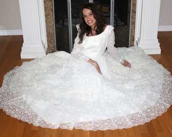 Vintage wedding dress ruffles gown white LACE Long sleeve empire waist flower size S M 70's 80's