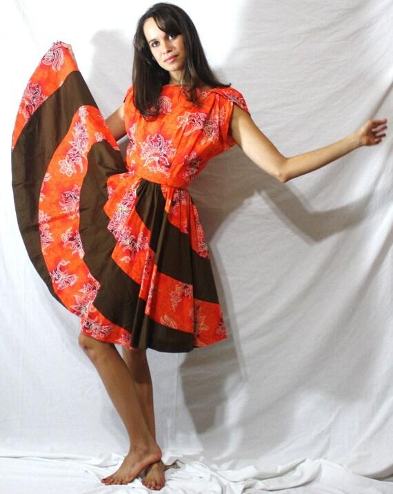 Vintage big flower fall dress short sleeve full wide skirt orange brown flower S 60's 70's