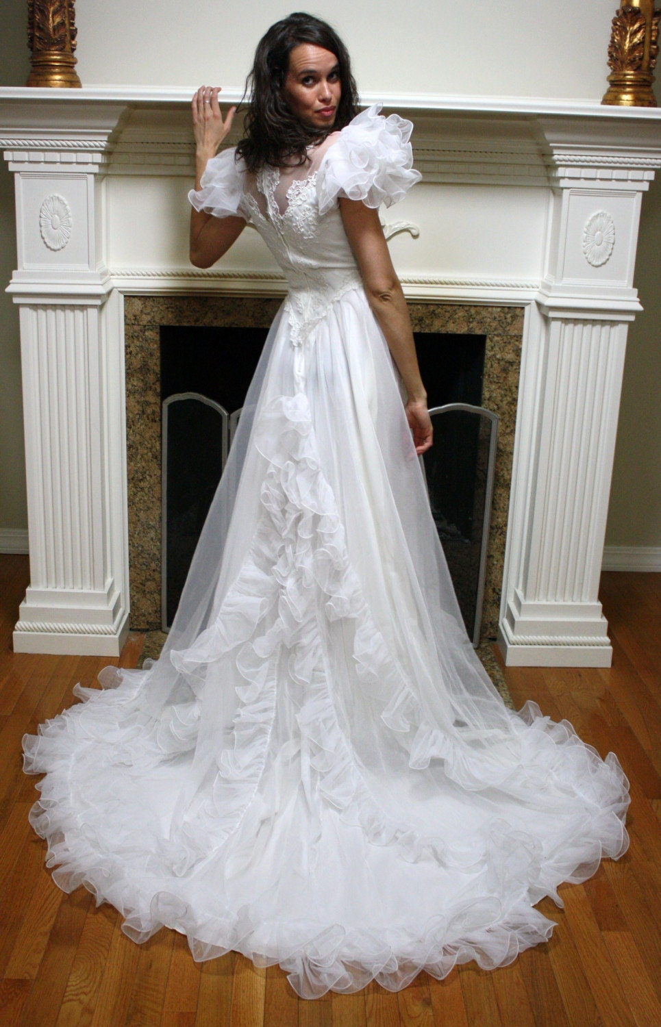 Vintage wedding dress ruffles gown white lace puffy sleeve for White lace vintage wedding dress