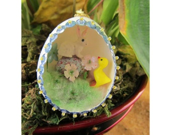 Confused Bunny and Chick Diorama Egg Ornament - Handmade Egg Art Easter Decoration