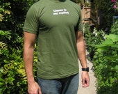 Liquor is my copilot - men's fitted t-shirt, army green
