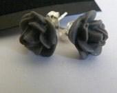13mm dark gray rose  posts