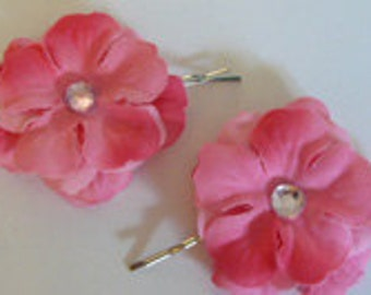 2 pink flower hair pins